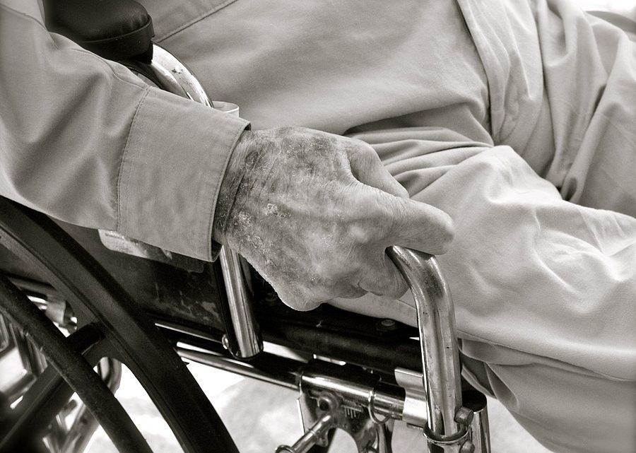 Personnes âgées : quel matériel pour assurer le maintien à domicile ?